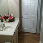B2 - Guest Bath - Apartment Complexes in Houston Tx